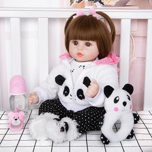 Image 5 - Venda por atacado 18 keimenmensilicone recém nascido menina reborn bebê boneca bonito panda dos desenhos animados bebê presentes do dia das crianças com 3 pcs grampo de cabelo