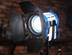 PRO 650w Fresnel Tungsten Spotlight Light + Bulb studio vedio film lighting