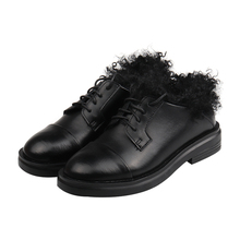 Женские модельные туфли из натуральной кожи; зимняя теплая меховая обувь на плоской подошве; обувь с перфорацией типа «броги»