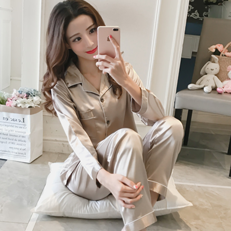 Pajamas Women's Loose Autumn & Winter Solid Color Cardigan Long Sleeve Model Silk Homewear Set Have Lard-bucket Code