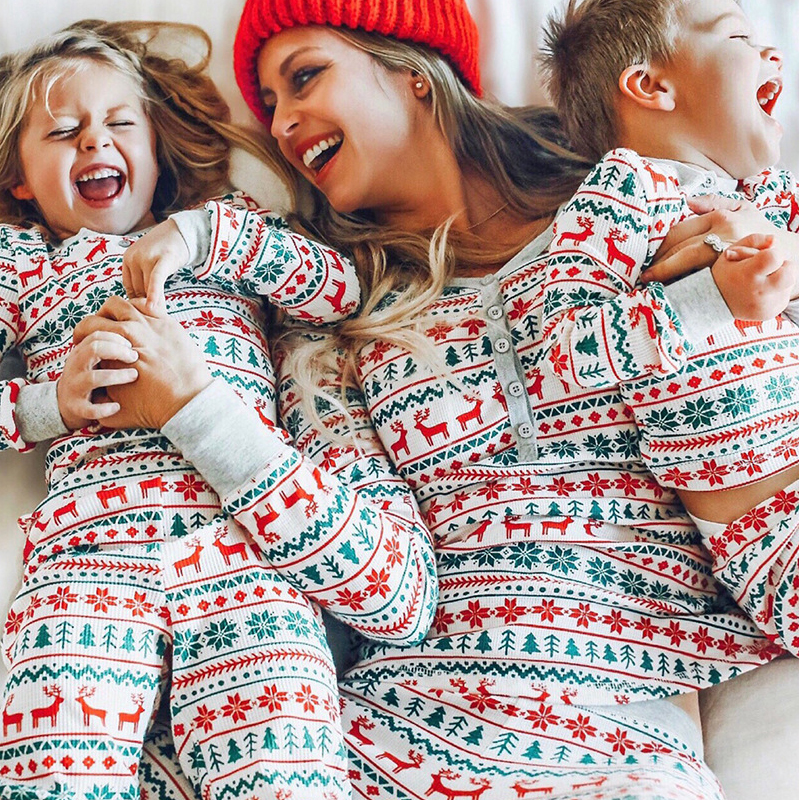 2020 Family Christmas Pajamas Matching Moose Clothes Set New Year Mom and Daughter Father Mother Son Outfit Kid Baby Nightwear 1