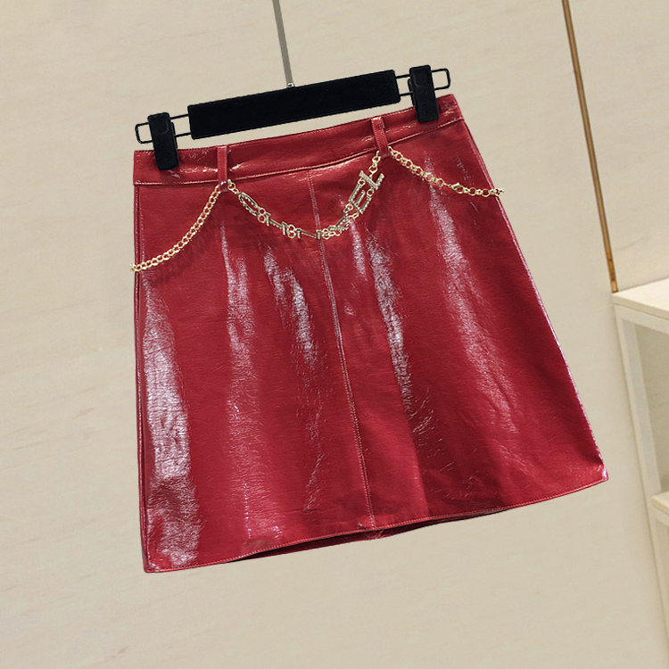 Short Leather Skirts Women 2019 New Autumn Solid Color Patent Leather Bright Face Metal Letters Chain High Waist A-line Skirt