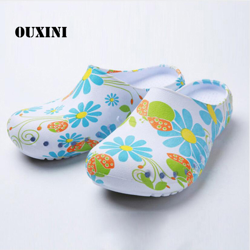 Blue Female Cook Slippers Anti-Oil Chef Shoes Non-slip Medical Shoes Restaurant Kitchen Hotel Hospital Safety Workwear Shoes