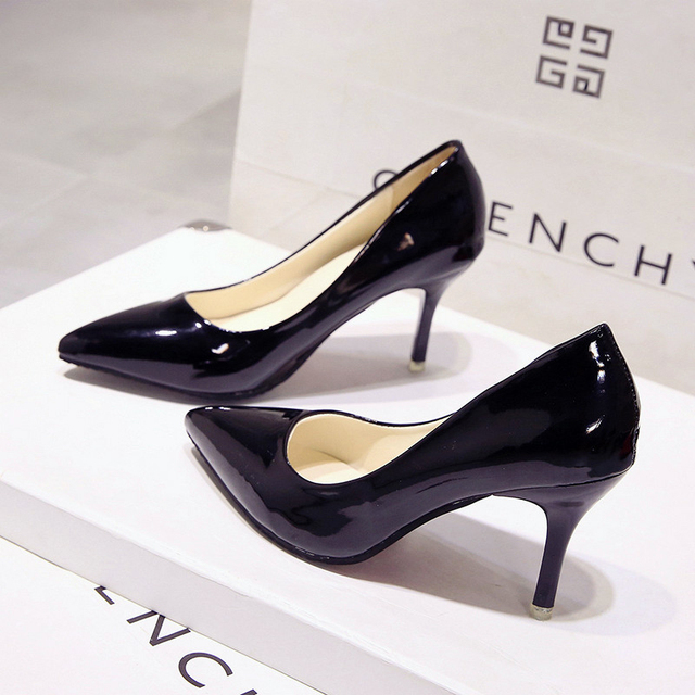 Korean version of the new fashion wild pointed high heels multi-color large size personality ladies high heels