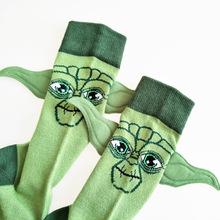 Gorące gwiezdne wojny mistrz Yoda dziecko rysunek bawełniane skarpetki gwiezdne wojny wzrost Skywalker Cosplay mężczyźni kobiety prezent uszy Funning skarpety tanie tanio Disney Model Dla osób dorosłych 12 + y CN (pochodzenie) Unisex Baby Yoda socks free size STAR WARS Odzież Buty Czapka