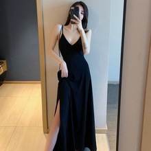 New style small black dress with suspender, sexy and gentle V-neck, retro long black dress with side slit