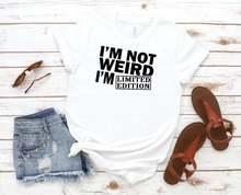 Женская футболка из хлопка с принтом «Я не странная ограниченная