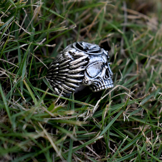SKULL ODIN WITH RAVENS RING