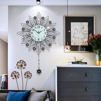 Creative simple rural style mute metal wall clock, living room fashion European home decoration iron quartz clock