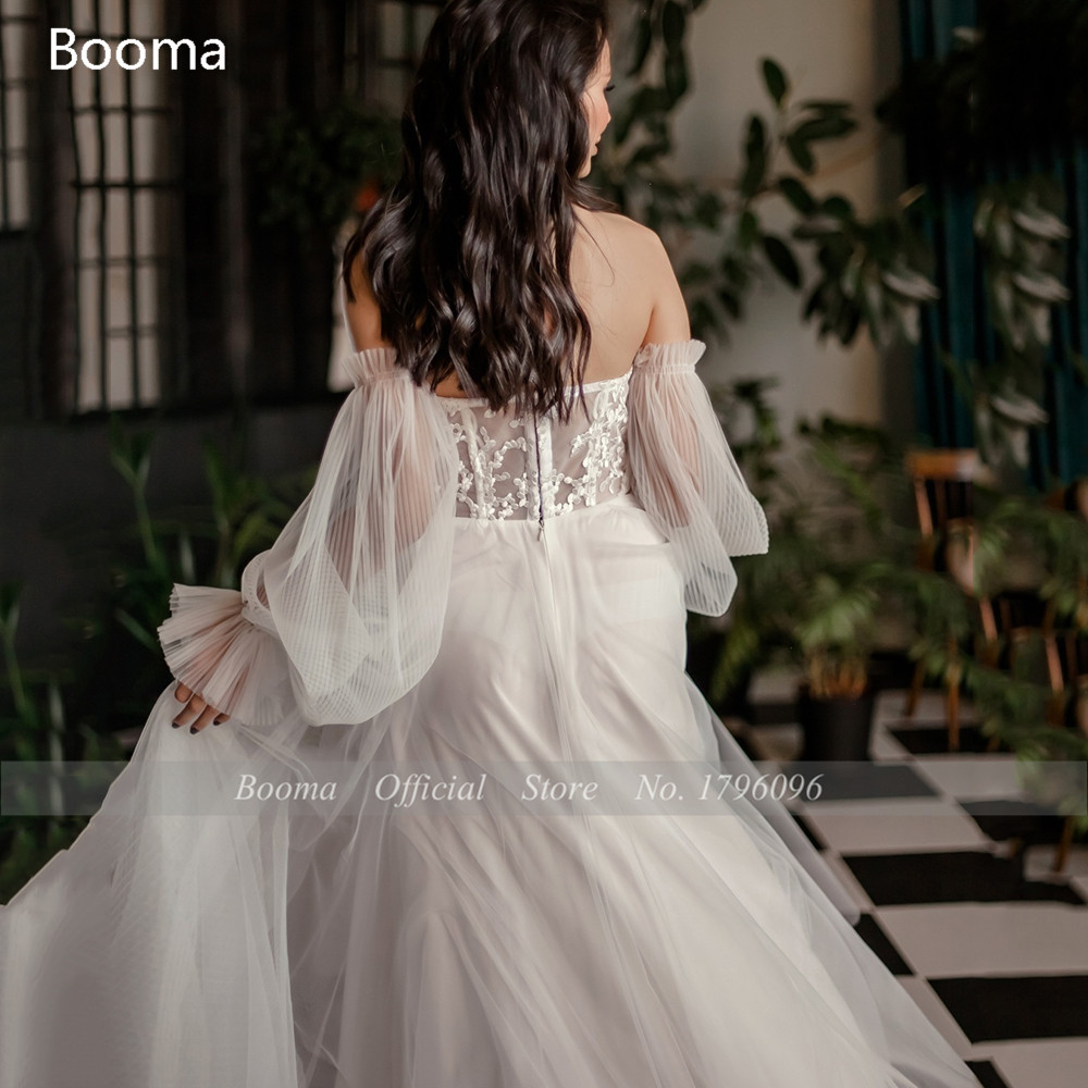 Simple Ivory Beach Wedding Dresses Off Shoulder Long Sleeves A-Line Bride Dresses Open Back Lace Top Crumpled Tulle Wedding Gown