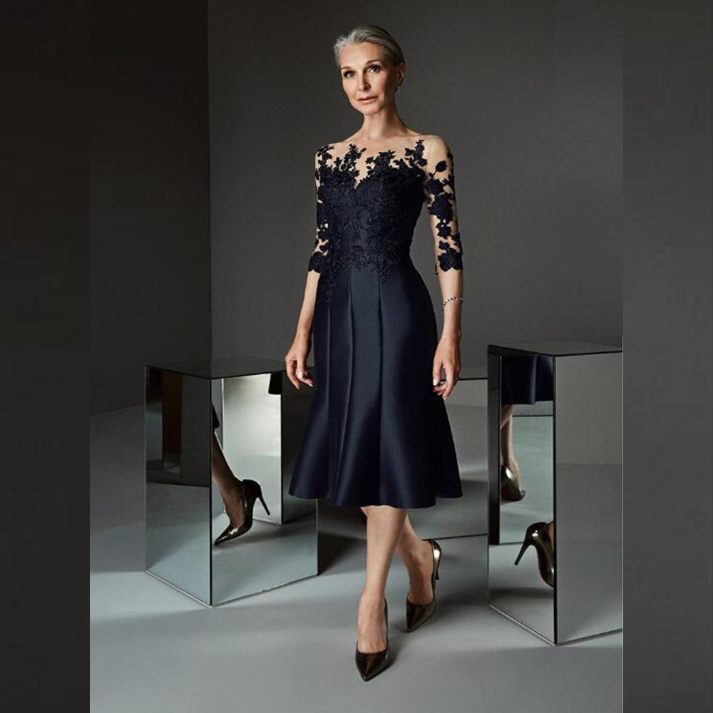 Gorgeous Prussian Blue Knee Length Mother of the Bride Dresses Lace Applique with Three Quarter Sleeves Wedding Guest Gowns 2021