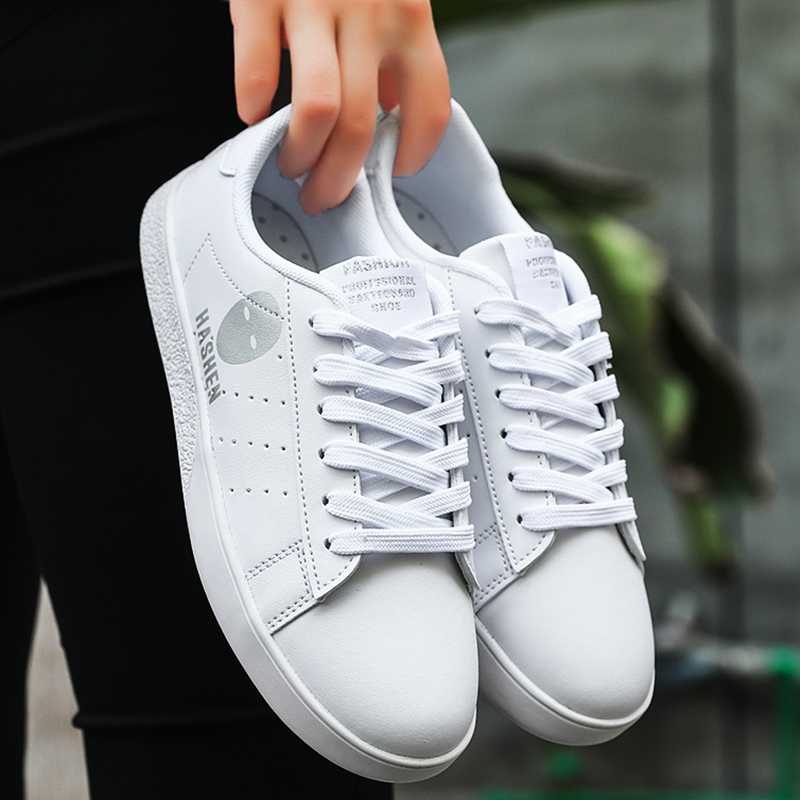 2020 New Couple Board Shoes Men Women Casual Shoes Flat Vulcanized Shoes Comfortable Breathable Skateboard Shoes Running Shoes