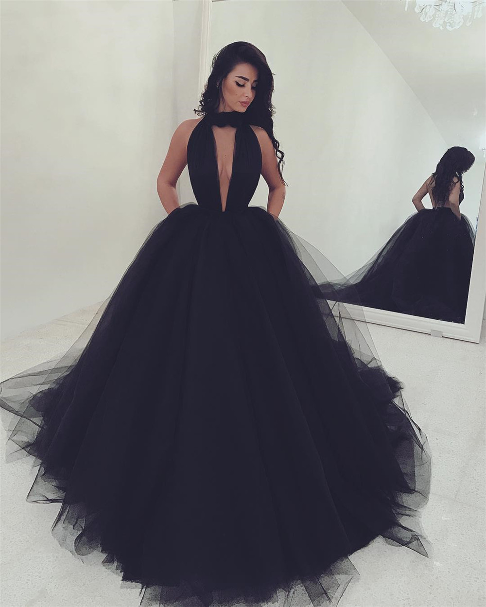 Sexy Backless Halter Black Long Prom Dresses 2020 Robe De Mariee Ball Gown Deep V Neck Party Dress Vestidos De Gala