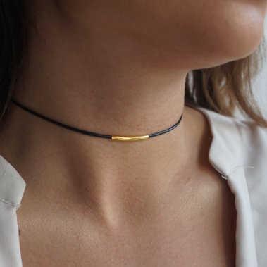 日本韓国ブラックレザーロープネックレス女性ゴールドチューブネックレス女性ショートネック襟チェーンネックレスチョーカー鎖骨女性