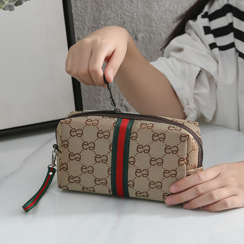 Luxury Design Street Style Carrying Cosmetic Bag Portable Nursing Large Capacity Bag Western Style Double E Storage Bag 2020 New