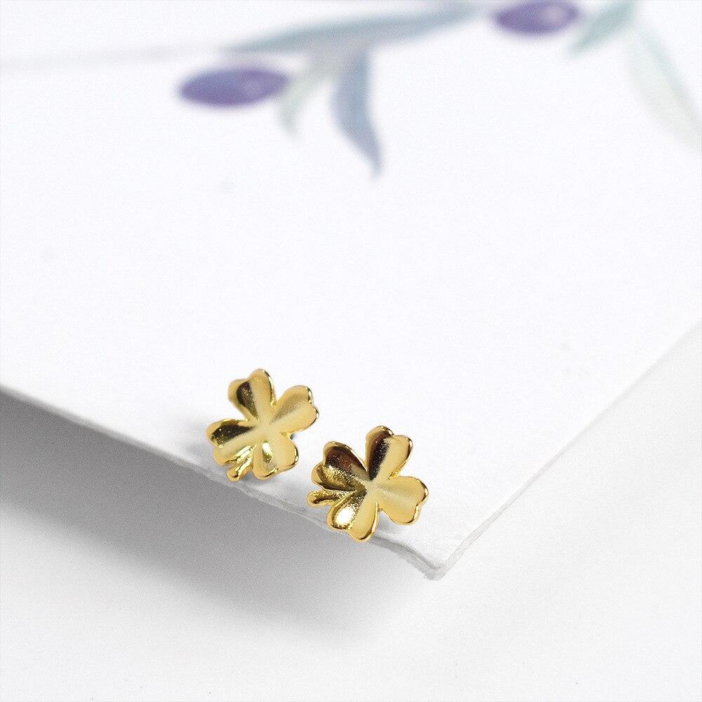 Simple woman's clover earrings s925 sterling silver earrings temperament hypoallergenic flowers small earrings fashion jewelry