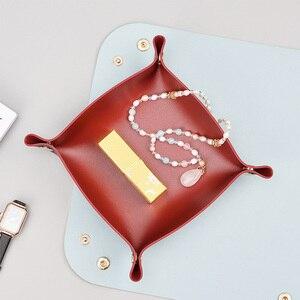 Bandeja de almacenamiento portátil para joyería de mesita de noche, bandeja de almacenamiento de piel sintética con broches, fácil de limpiar, para sala de estar, casa y oficina