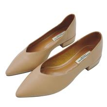 جلد طبيعي 2018 المرأة حذاء مسطح سميكة مع الفم الضحلة أحذية مستدقة أقدام جلدية لينة منخفضة الكعب الرجعية الأحذية