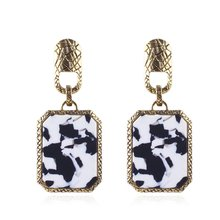 цена на Women Leopard Print Dangle Earrings Personality Gorgeous Geometric Female Earrings Fashion Jewelry Ladies Best Birthday Gift