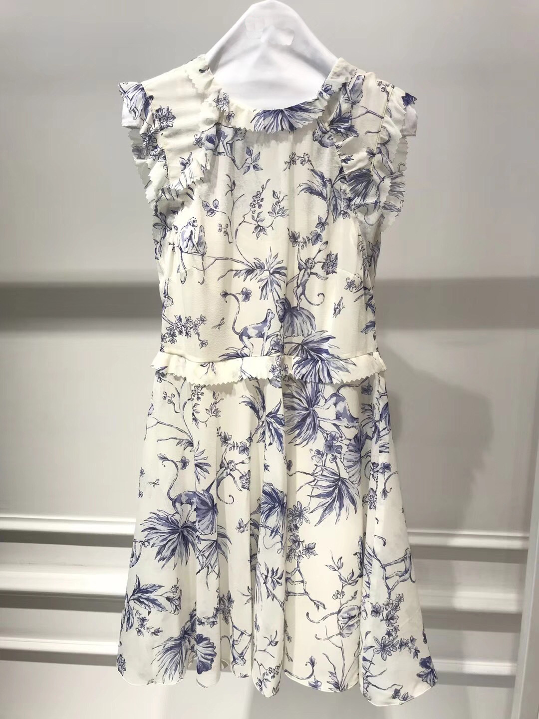 Red Summer Monkey Flowers Leaves Printing Folds Lace Dress 85076