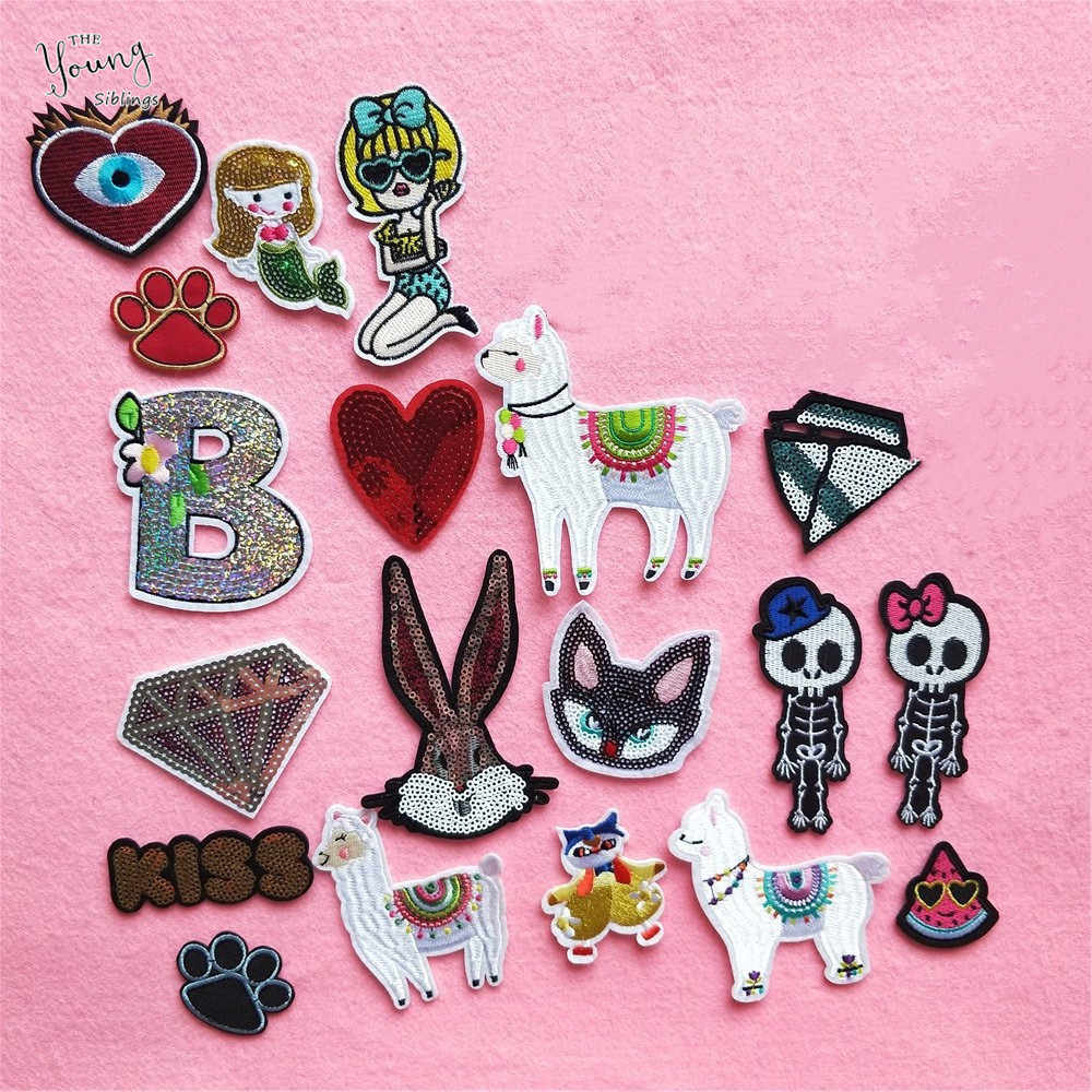 Nieuwe Animal UFO Skelet Brief B Cartoon Patch Ijzer op Badge Flarden Geborduurde Applique Naaien Patch Kleding Pailletten Stickers