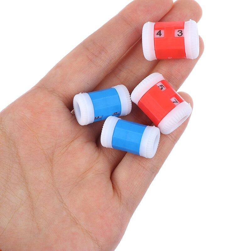 2 больших красных + 2 маленьких синих пластиковых вязаных спиц для вязания пластмассовых спиц (большие 2,2*1,5 см + маленькие 2,2*1,2 см)