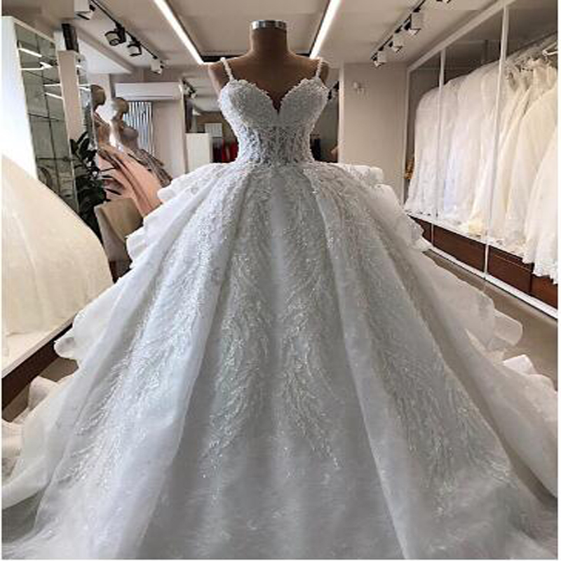 Elegant Spaghetti Strap Ball Gown Beading Appliques Lace Ruched Wedding Dress  Chapel Train Lace Up Back  Bridal Wedding Gown