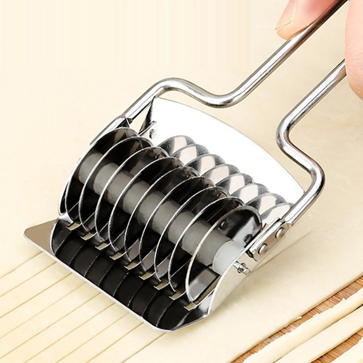Behogar Manual Stainless Steel Noodle Lattice Roller Maker Cutter Kitchen Cooking Tools for Pasta Spaghetti Dough Garlic Onion image