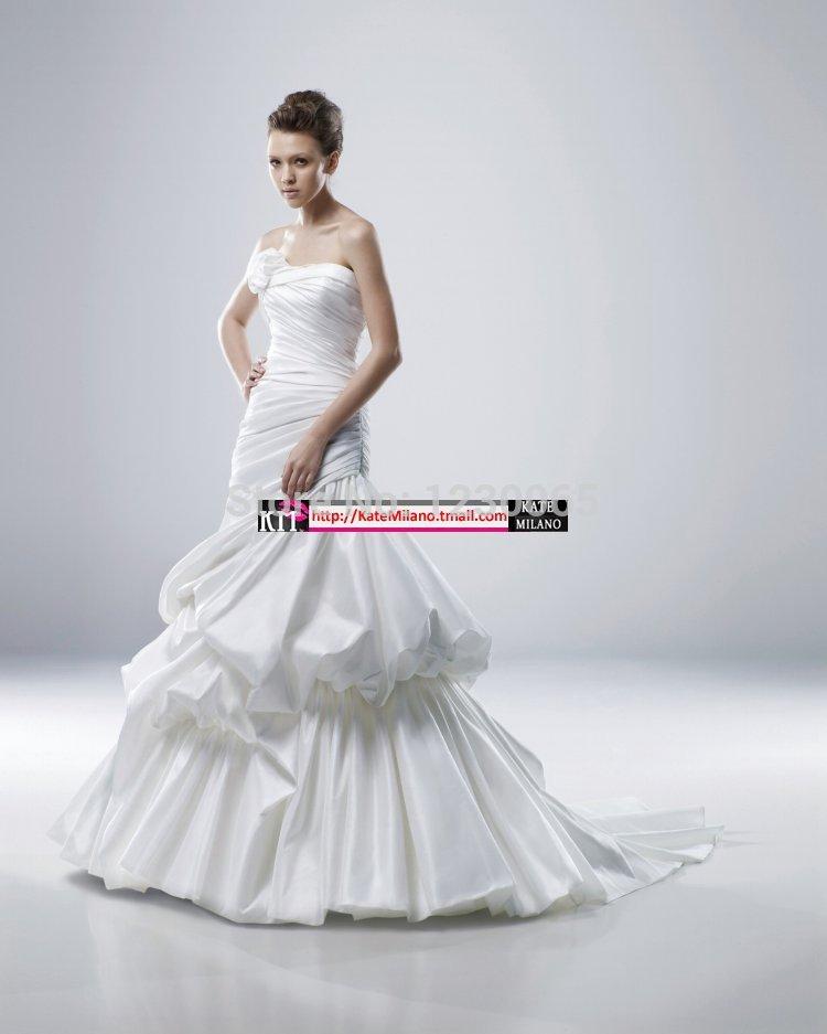 Custom-made Satin Sexy Wedding Dress 2016 Free Shipping Tiered Vestido De Noiva Casamento Romantic New Robe De Mariage Appliques