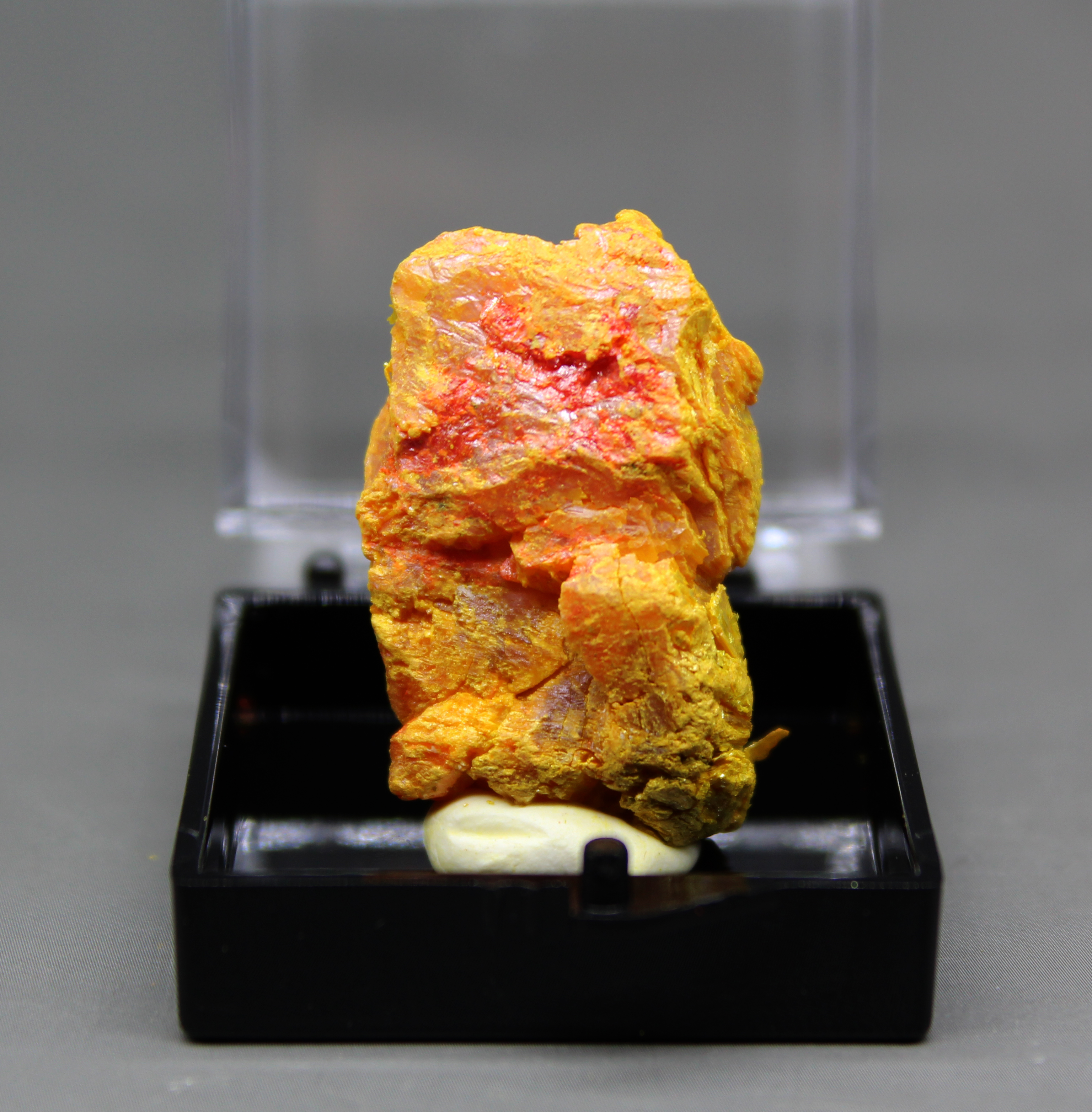 100% Natural Orpiment Mineral Specimens Arsenic Sulphide Ore Crystal Mineral Ore Orpimentcollection Specimens Send Box
