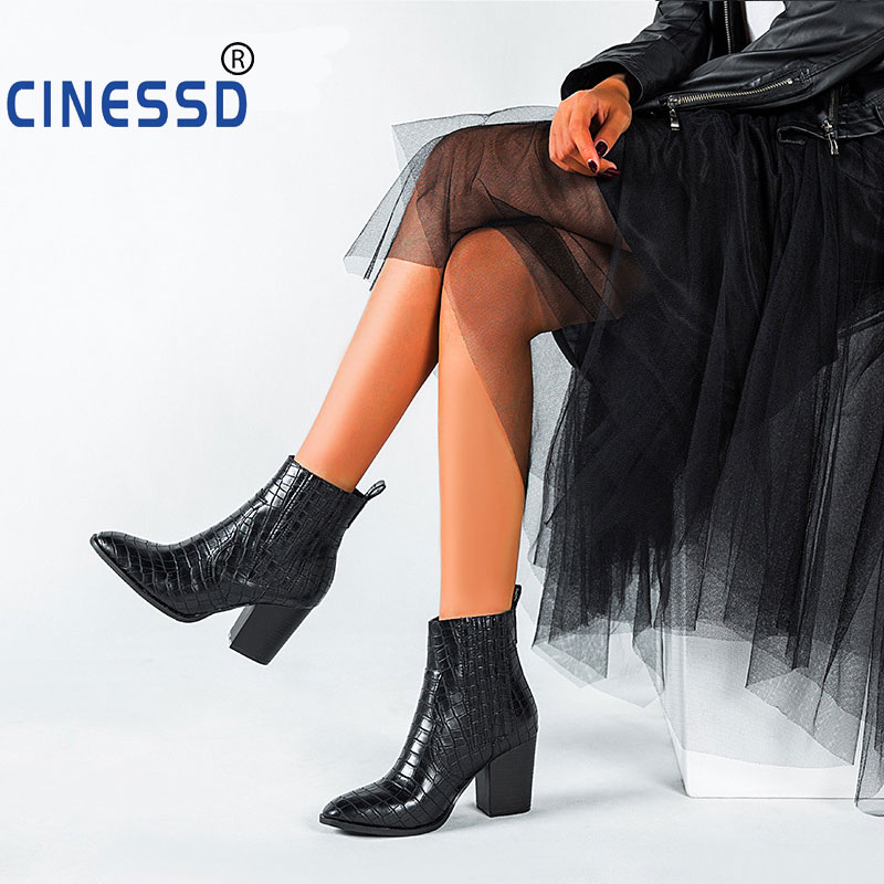 2020 Motorcycle Western Cowboy Boots Women Crocodile pattern Leather Short Cossacks High Heels Cowgirl Booties Ankle botas Shoes