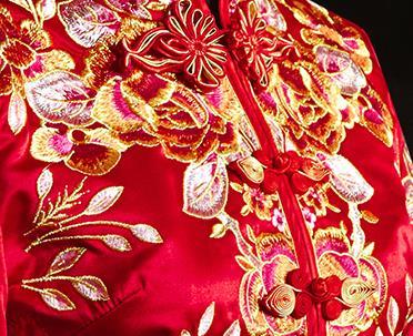 New wedding dress Chinese phoenix crown button