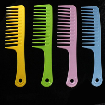 1 PC. Plastic Wide Tooth Handle Barber Anti-Static Plastic Comb Detangling For Styling Hairdressing New 2019