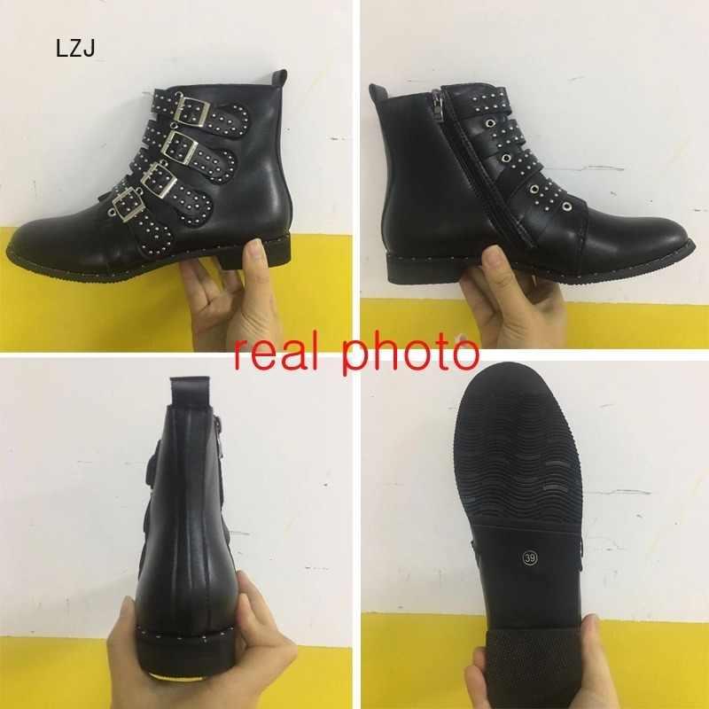 LZJ מסמרות נעליים דמוית עור אבזם רצועות עבה העקב שחור קרסול נשים מגפי המשובץ מעוטר אישה מגפי אופנוע