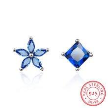 Асимметричные простые серьги с голубым цветком 925 пробы Серьги