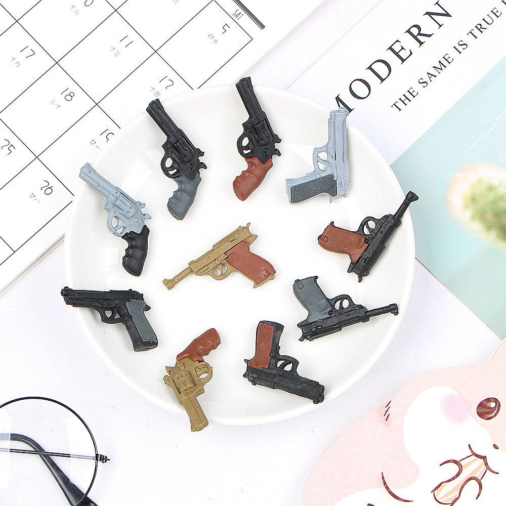 2 Pcs/lot  Novelty Mini Pistol Shape Rubber Eraser Kawaii Kids Toy Gifts Papelaria School Office Learn Correction Stationery