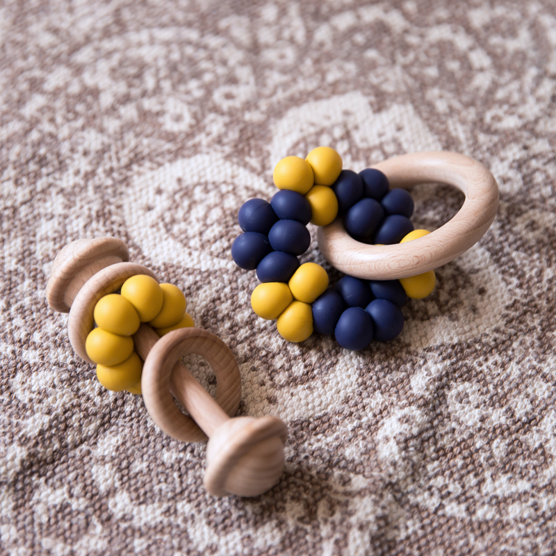 2pcs/set Baby Teethers Silicone Beads Wooden Rattles Teething Rodent Tiny Rod Wood Baby Toys Bracelet Nursing Newborn Products