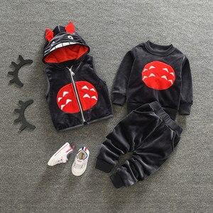 Image 2 - Làm dày Ấm cho bé Bộ Quần Áo Đầm nữ Năm mới Giáng Sinh Snowsuit Áo Phù Hợp cho bé gái bé trai 3 cái/bộ Quần Áo Trẻ Em