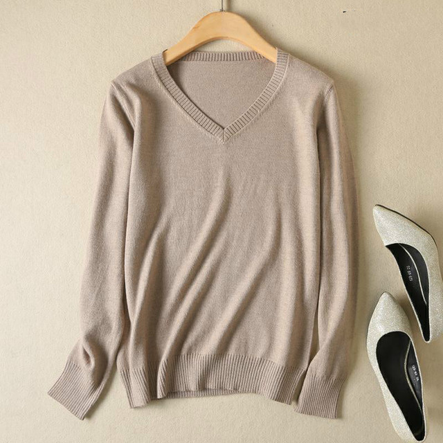 Long Sleeve V-neck Knitted Cashmere Sweater 5