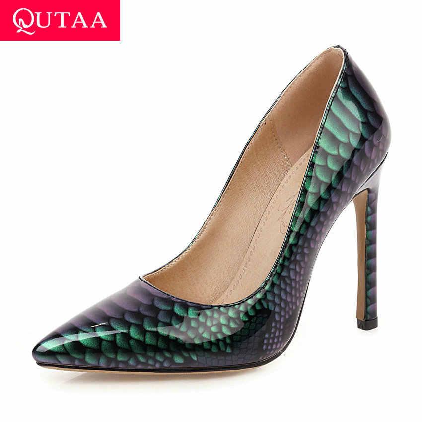 QUTAA/женские туфли-лодочки из искусственной кожи под змеиную кожу, соблазнительные тонкие туфли на тонком высоком каблуке с острым носком, большие размеры 34-43, 2020