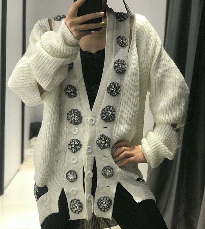 2019 Top New Cotton Heavy Work Beaded Big Button V-neck Knit Cardigan Women Irregular Hole Leaking Shoulders Lazy Sweater Woman