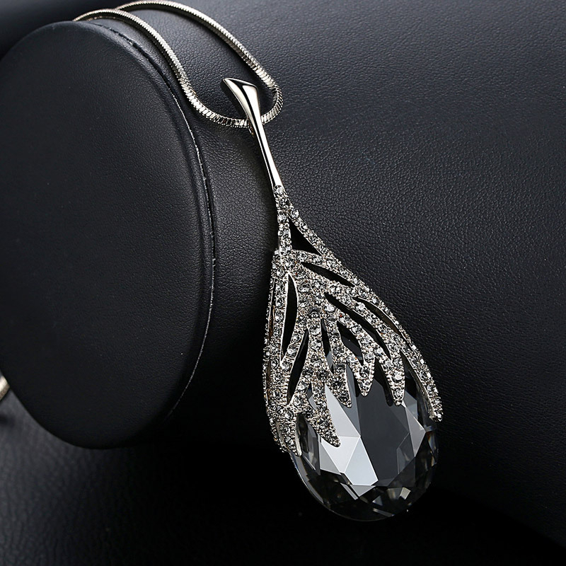 New Arrival Long Necklaces for Women 2020 Fashion Gray Crystal Choker Collier Femme Statement Necklaces & Pendants Accessories