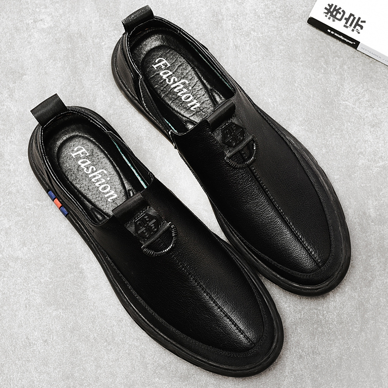 Men 39 s High quality leather Casual shoes Slip On Lightweight Men Shoes Breathable Male Ultra Light walking shoes in Men 39 s Casual Shoes from Shoes