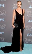 Женское длинное атласное платье Русалка черное в пол с разрезом