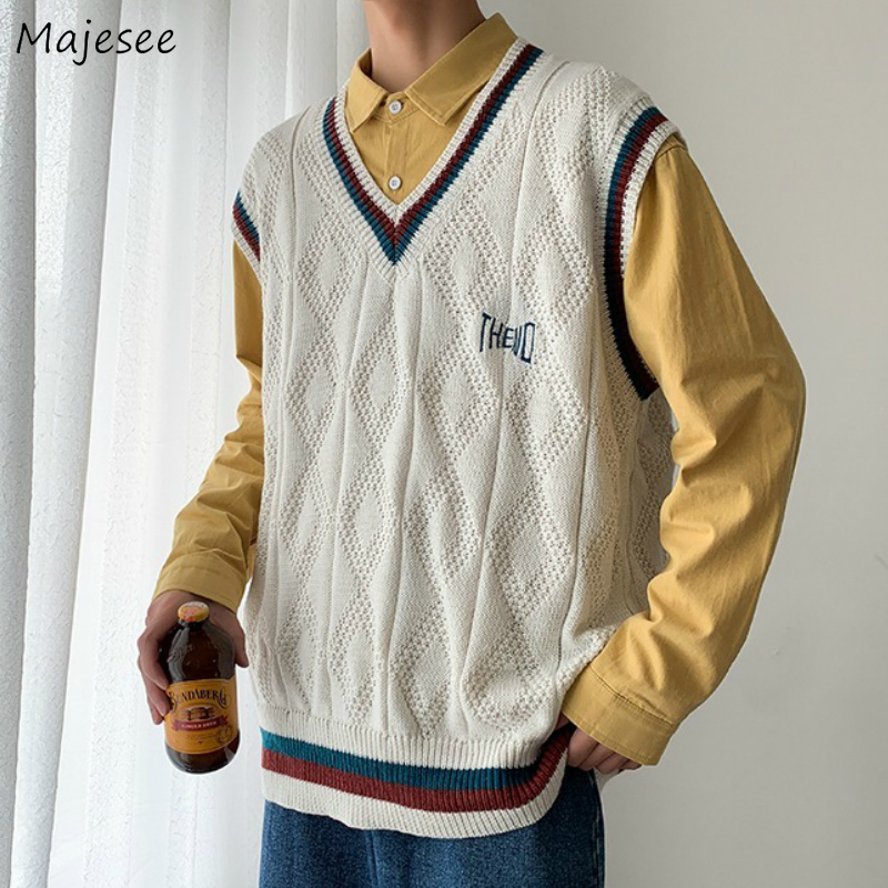 Sweater Vest Men Letter Printed BF V-neck 2XL Oversize Mens Vests Preppy Style Chic Daily Streetwear Leisure Retro Knitted New