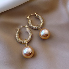 2020 New Arrival Dominated Fashion Fine Pearl Drop Earrings Contracted Senior Geometric Metal Temperament Women Earrings Jewelry