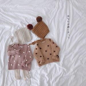 Image 1 - Nữ Thu Đông Áo Thun Cổ Áo len tập đi cho bé Quần áo litttle 3D bi tay dài bé áo len trẻ em Nón kết nam nữ 1 5T