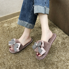 цены Liren 2019 Outsides Slippers Small New Female Slippers Bow Decoration Twist Braided Open Toe Slippers Flat Crystal Slide Fashion