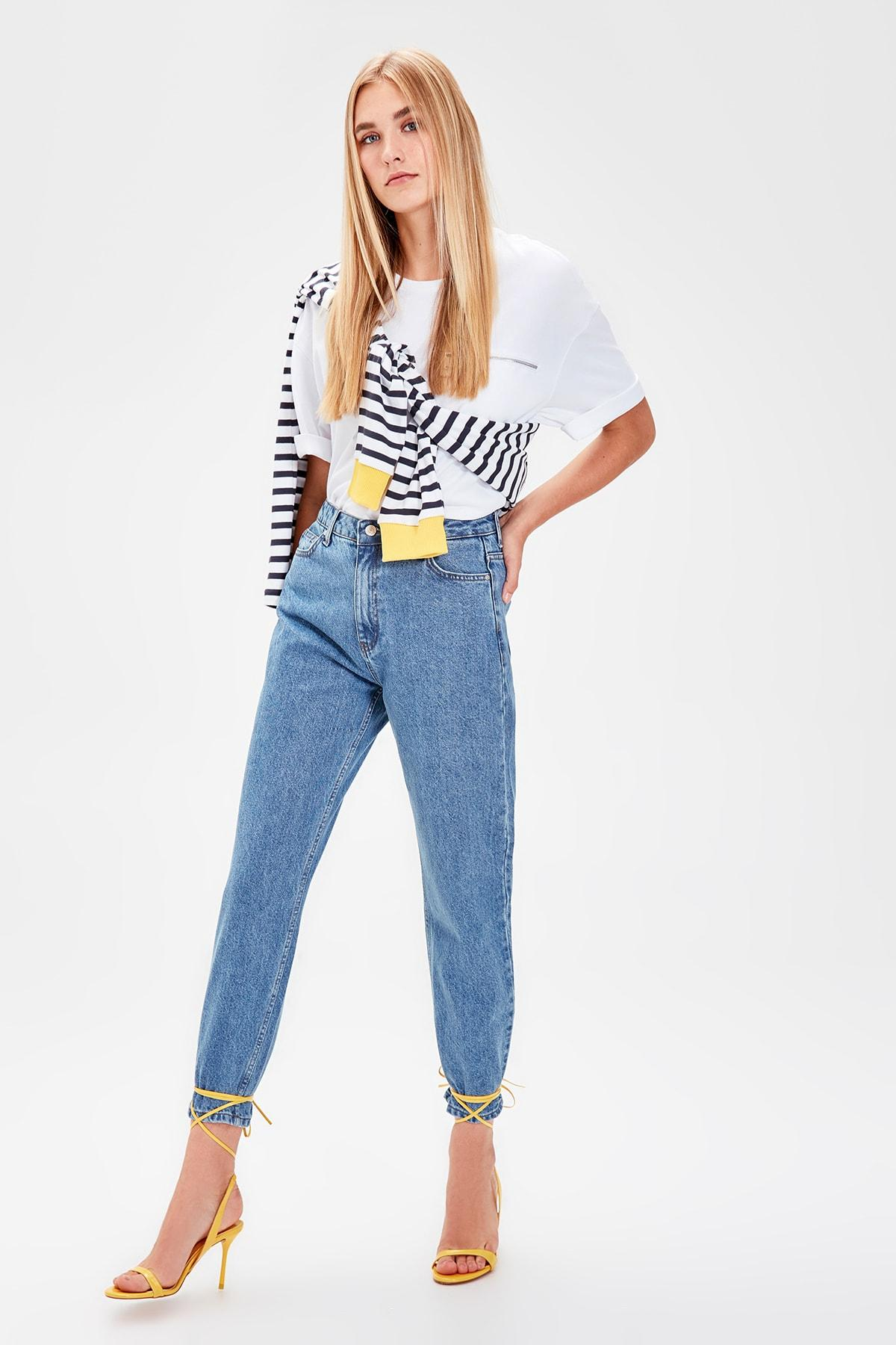 Trendyol Blue High Waist Mom Jeans TWOAW20JE0129