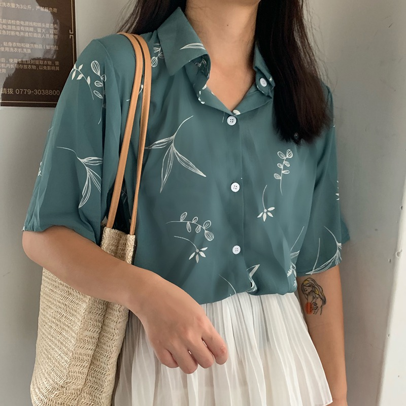 2019 Women\'s Casual Loose Turn-down Collar Leaves Printed Short Sleeve Single Breasted Chiffon Blouse